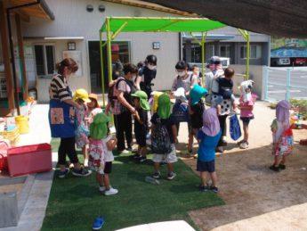 地震発生❕ 園庭に集合